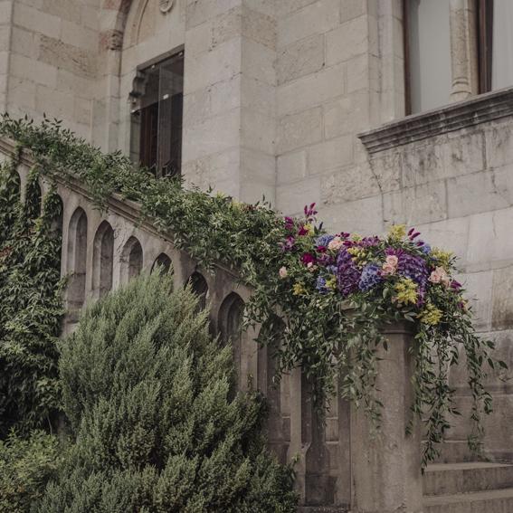 ¿Cuál es el trabajo de una wedding planner?